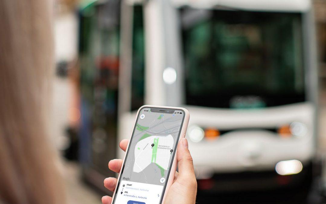 Meilenstein im automatisierten ÖPNV: Passagierbetrieb für selbstfahrende Shuttles auf Abruf in Karlsruhe gestartet
